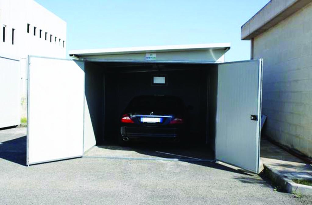 Garage deposito box prefabbricato coibentato kit smontato for Garage con deposito