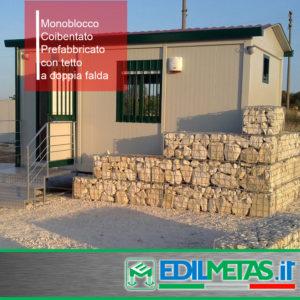 Monoblocco prefabbricato coibentato ad uso cantiere o abitativo con tetto a doppia falda