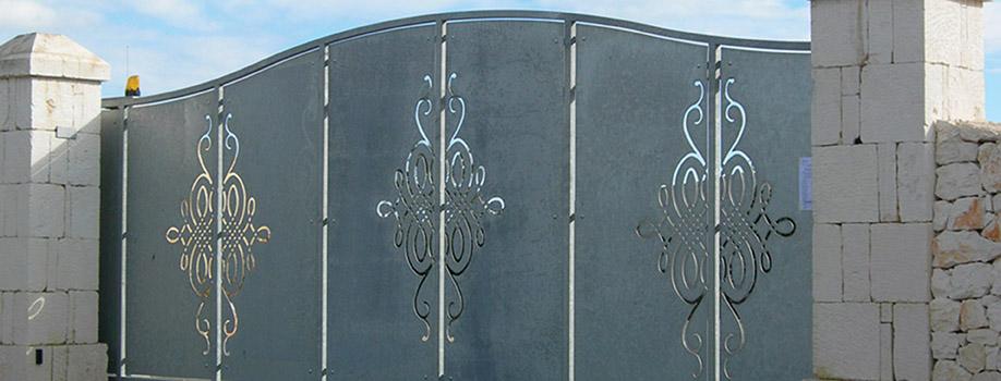 cancello con taaglio al plasma