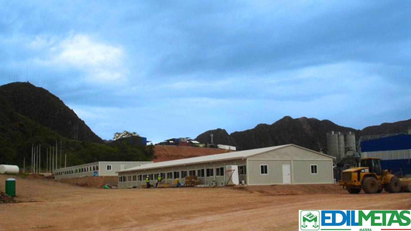 Villaggio campo magazzini e depositi prefabbricati modulari coibentati